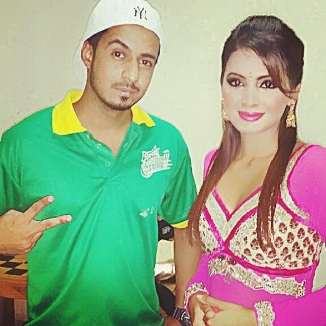 geeta basra , salman khan , sprite , event , celebrity , movies , train , india , pakistan , bollywood , heroine , artist , u a e , dubai , brands mith , sams photography , dubai events , celebrity profile , fun , party , cricket ,, Geeta Basra Latest Hot Real Life Pics with Fans