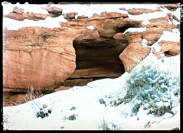 Cool Cove Area Along Grandstaff Canyon Trail