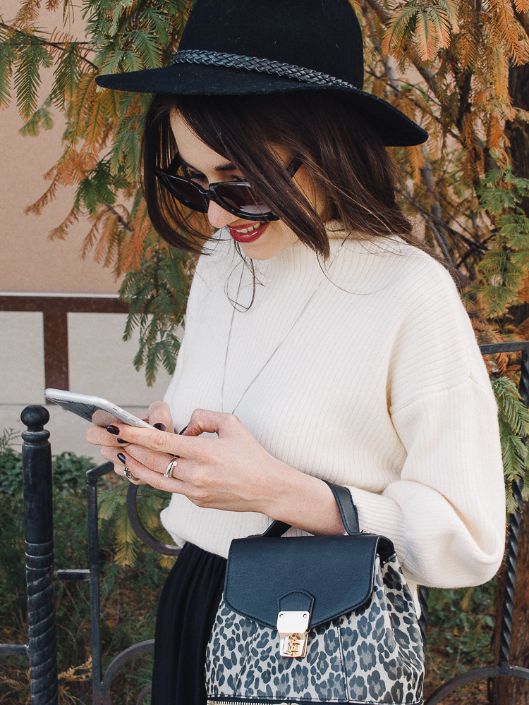 fashion-blogger-diyorasnotes-midi-skirt-shein-jumper-backpack-hat