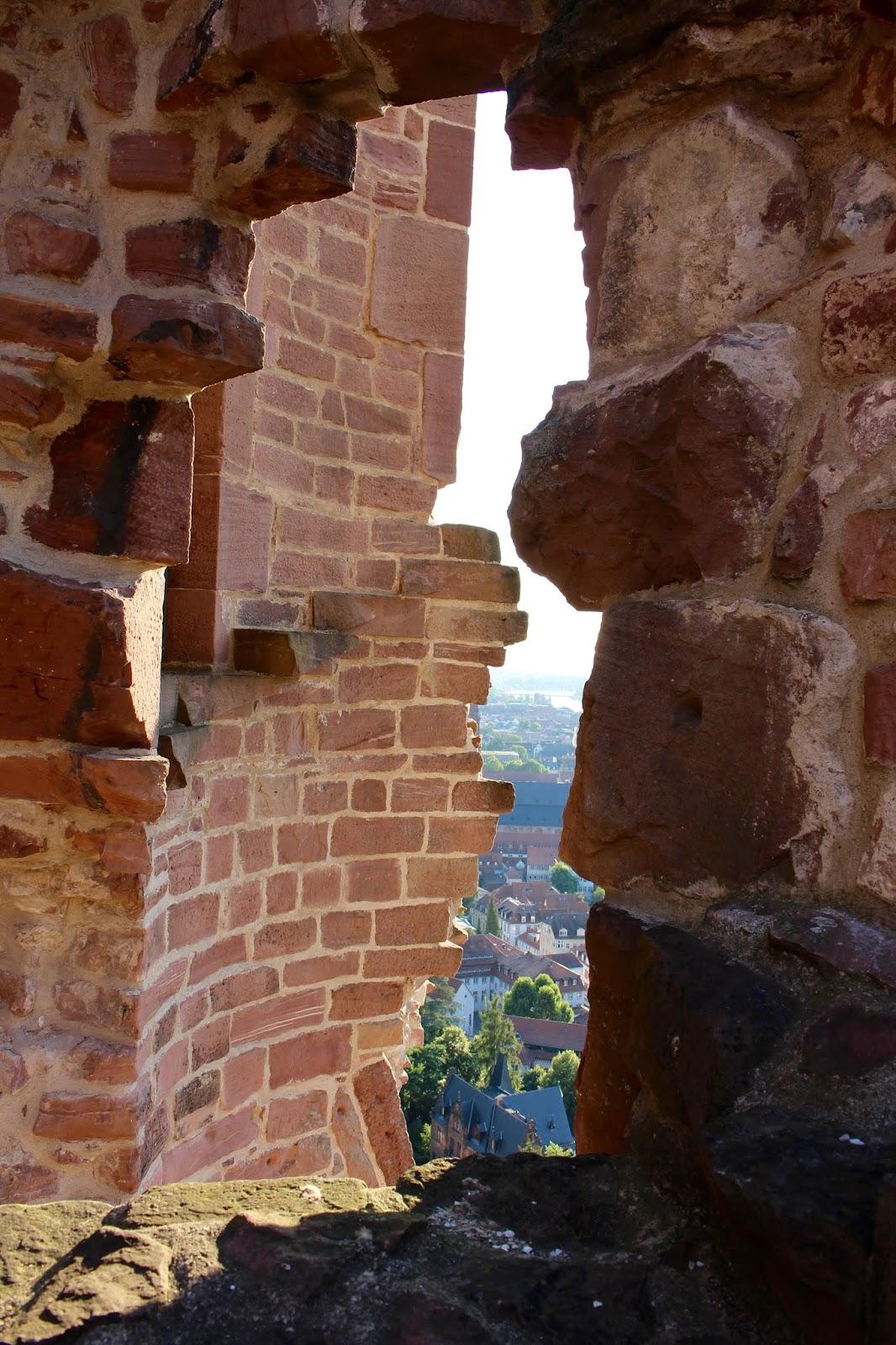 Der Diener zweier Herren von Goldoni bei den Heidelberger Schlossfestspielen: Blick aus dem Schloss; Foto: Yushka Brand