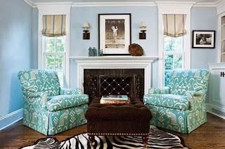 sala con sillones turquesas