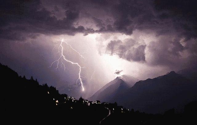 BMKG Himbau Masyarakat Waspada Gelombang Tinggi Dampak Siklon Kenanga
