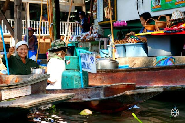 pływający targ tajlandia