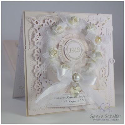 wianuszek komunijny wianek z kwiatami na pamiątce komunii świętej białej