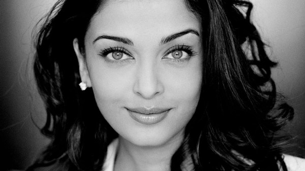 Black and white hot Aishwarya rai pictures