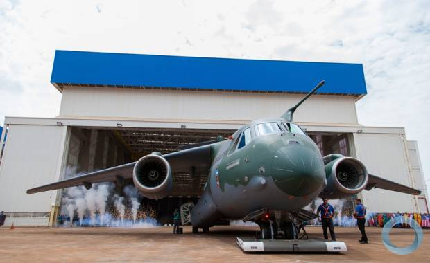 Image Attribute: Rollout of Multimission Transport Aircraft KC-390 EMBRAER KC-390, October 2014. Photo - FAB