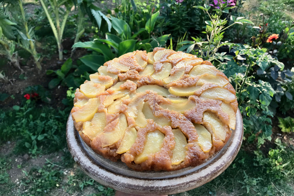 Vélochef Outside Is Free Apple Cake