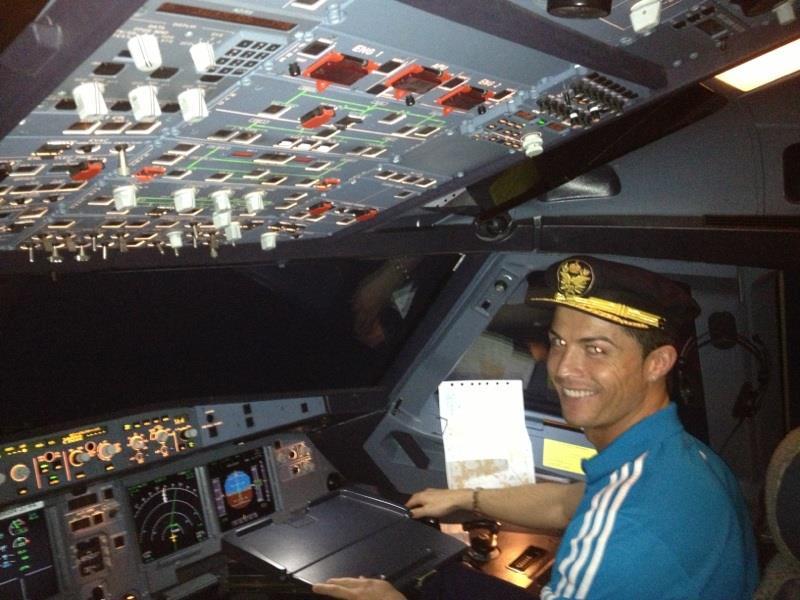 Cristiano Ronaldo is pilot for few hours