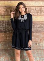 Moda Vestido com Bordado e Amarração Frontal Preto
