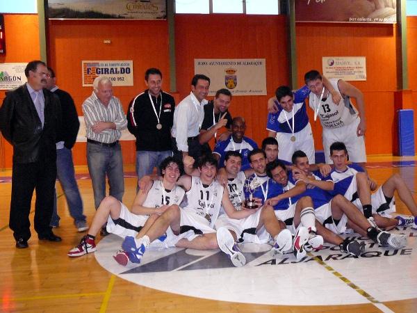 VIVE EL BASKET CON EDUARDO BURGOS  abril 2011 fec5a0de233