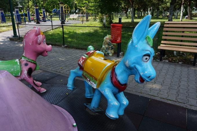 Bukarest, Romania ja lasten kanssa matkustaminen. Parhaat leikkipuistot ja huvipuistot!