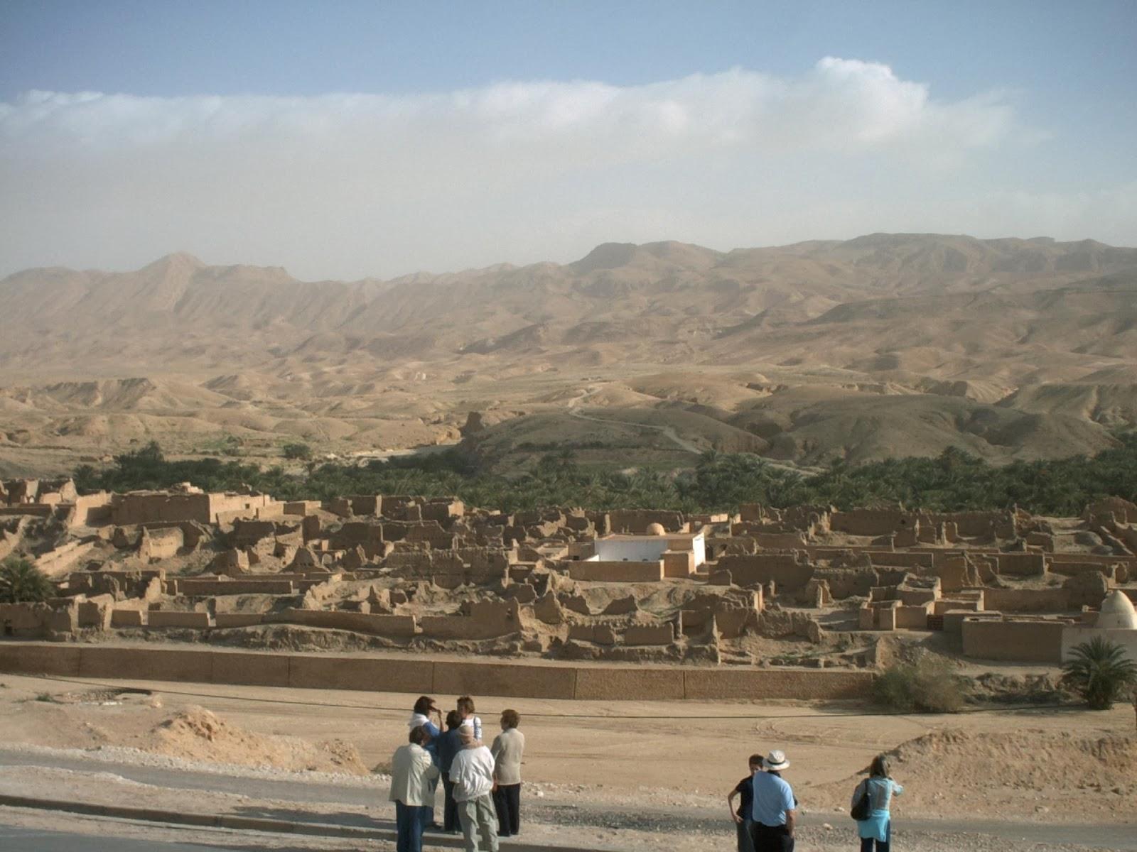 pueblo nomáda en el desierto de tunez
