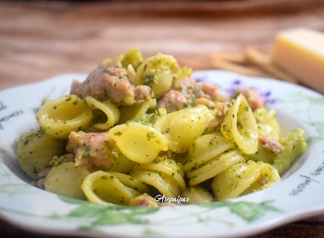 Orecchiette con Brócoli y Salchichas. Vídeo Receta