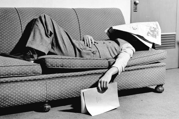 Taking A Nap Keeps Diseases Away, Improves Memory, Makes You Lose Weight And Much More