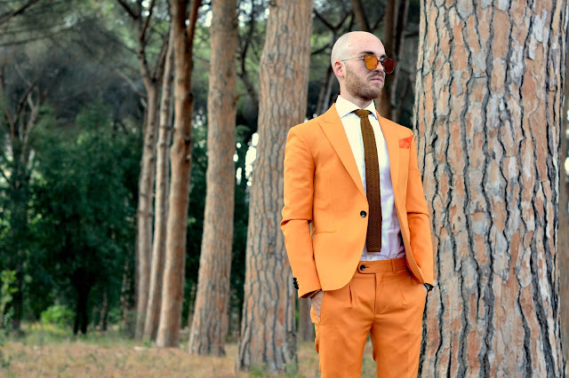 http://www.syriouslyinfashion.com/2017/08/orange-is-my-new-black.html