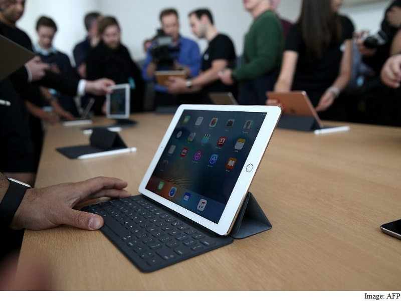 apple 9.7 ipad : Apple's 9.7-Inch iPad Pro Portable, Powerful, and a Little Puzzling