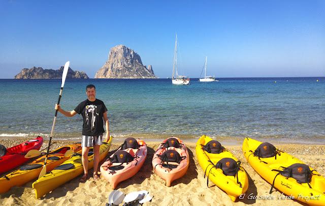 Kayak en Cala d'Hort - Ibiza por El Guisante Verde Project