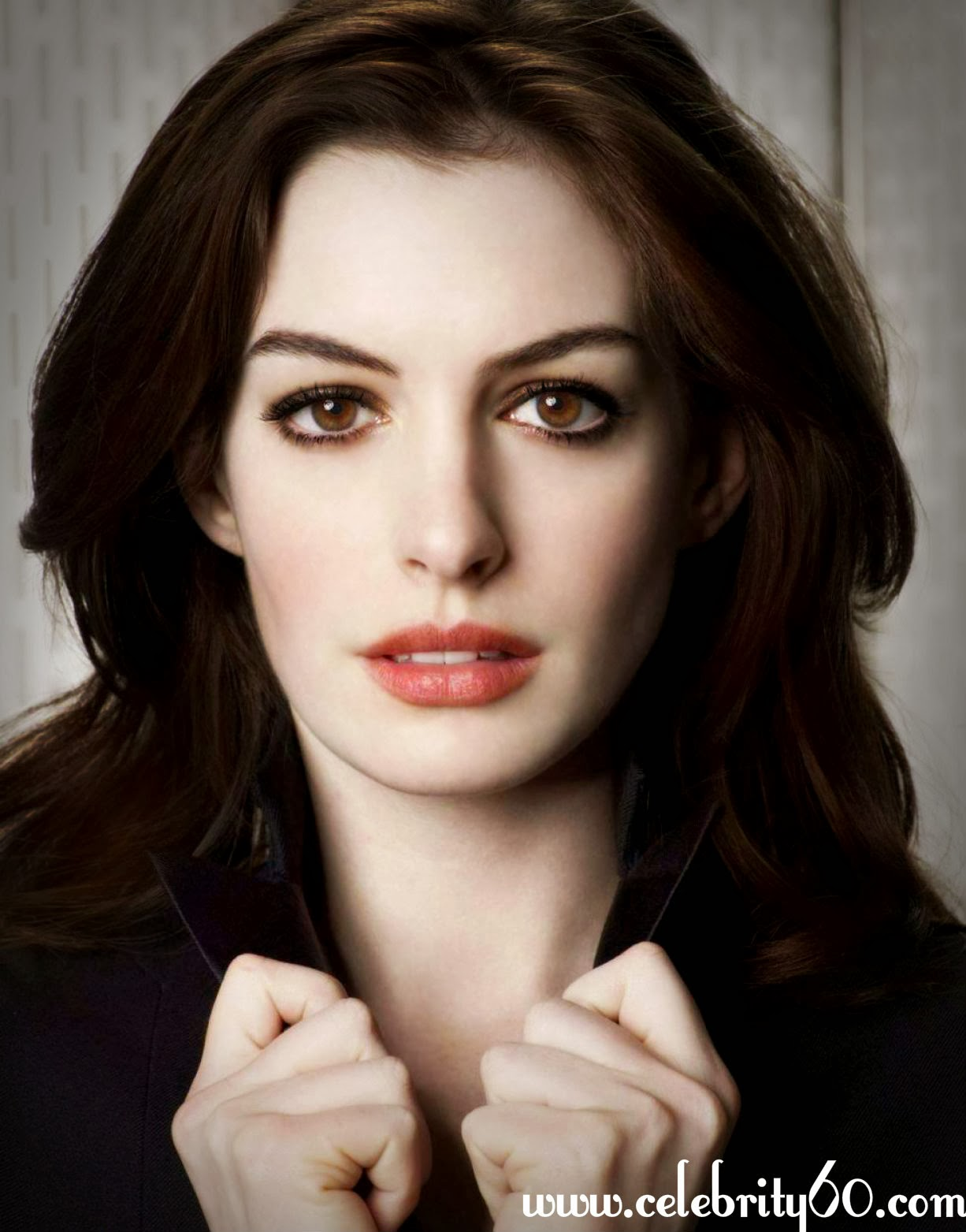 Celebrity Pictures Anne Hathaway Hair Photos-9552