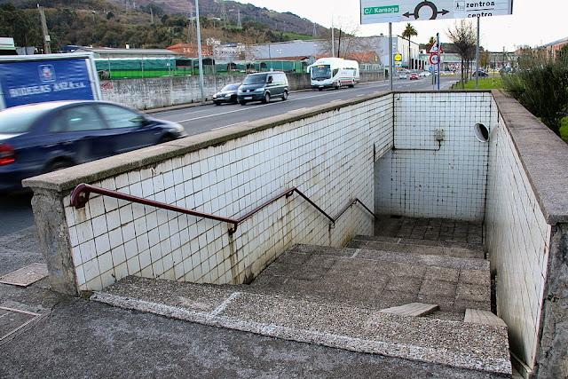 paso subterráneo de Kareaga