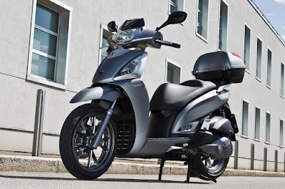 Kymco People GT 300i ABS (2016) Front Side