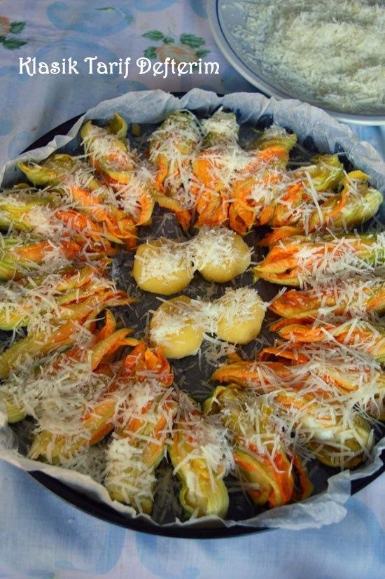 Fırında Patatesli Peynirli Kabak Çiçeği