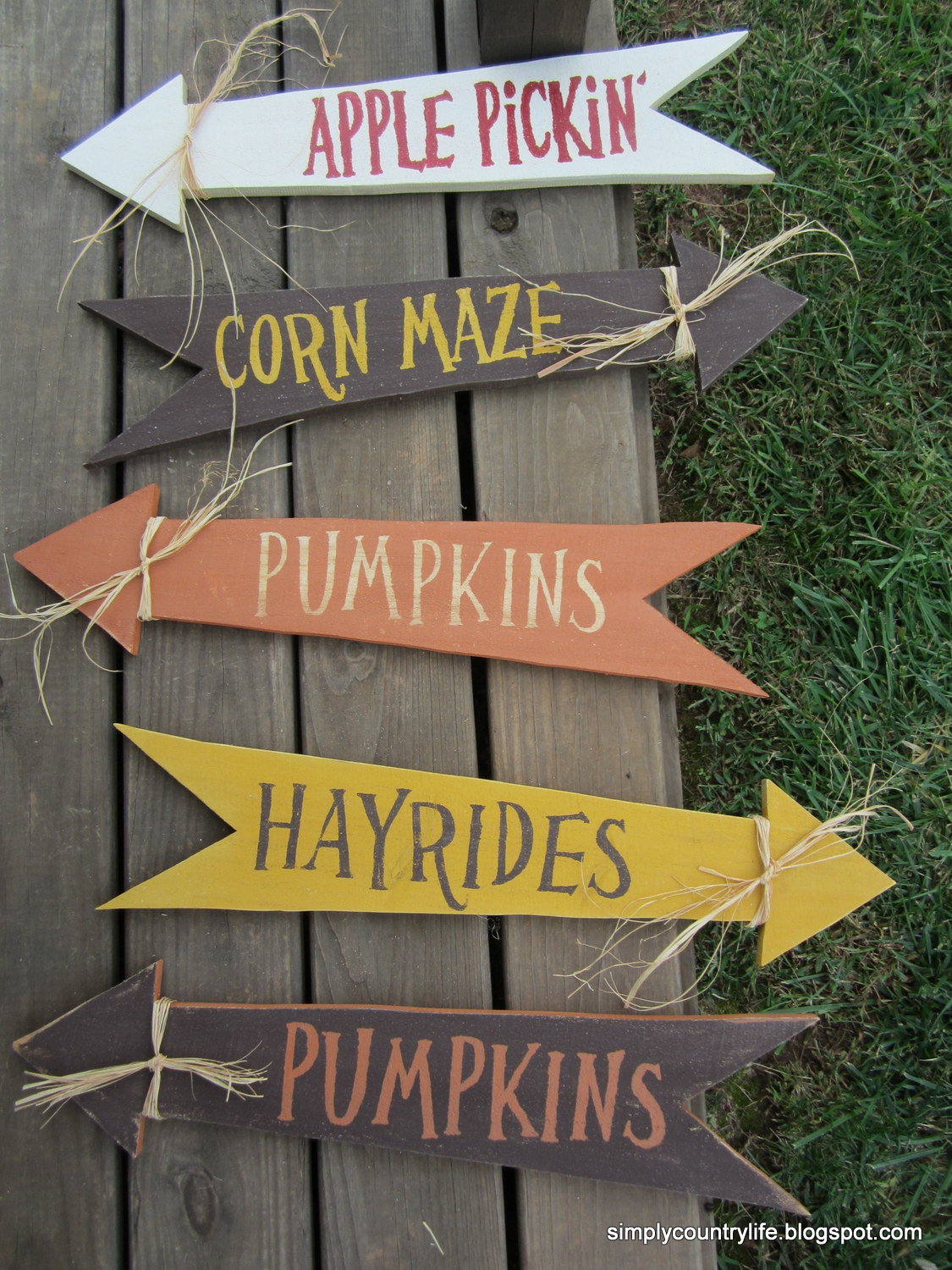 Simply Country Life Scrap Wood Turned Into Fall Yard Signs