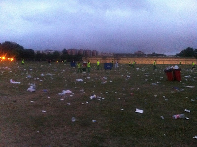 Clean up crew was about 20 strong at 6 am
