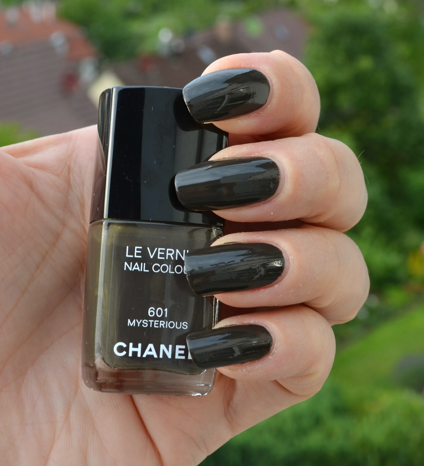 chanel fall nail colors 2013 chanel 591 alchimie 589 ...