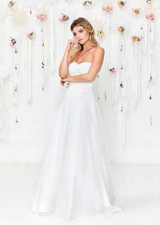 Charlotte Balbier Strapless Sweetheart Off White Princess À Line ... dbf6086a19