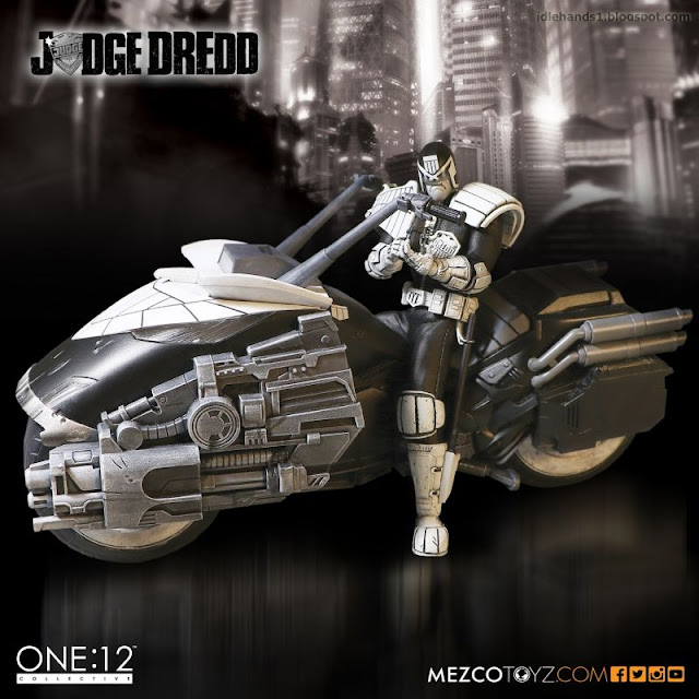 Mezco San Diego Comic-Con 2016 Exclusive ONE 12 COLLECTIVE 2000AD Judge Dredd and Lawmaster Black and White Variant Figure