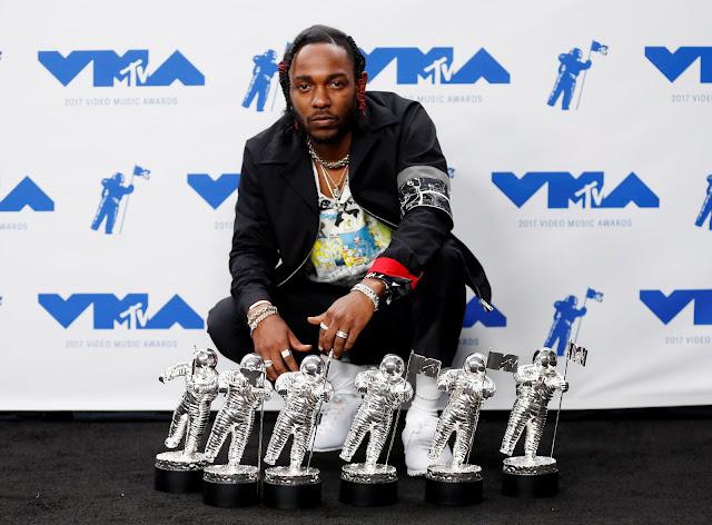 Kendrick Lamar foi o grande vencedor do VMA 2017.