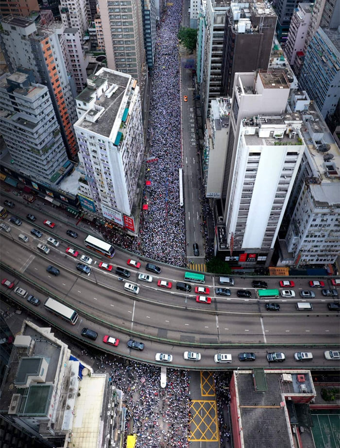 14 Powerful Photos Of The Massive Protests In Hong Kong That Depict People's Discipline And Respect
