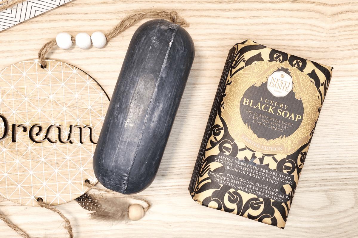 Czarne mydło w kostce Nesti Dante Luxury Black Soap