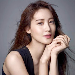 ေဟာလိဝုဒ္ဇာတ္ကားမွာ သ႐ုပ္ေဆာင္မယ့္ ကိုရီးယားမင္းသမီး ကေလာက္ဒီယာကင္