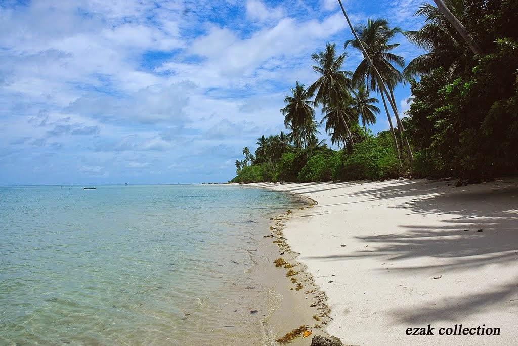 Pantai Tanjuru Pulau Karimata