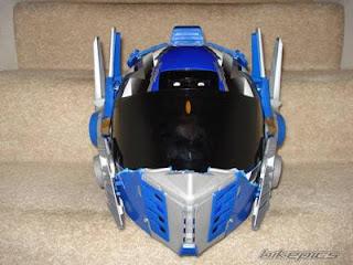 casco de motocicleta pintado con aerografo transformers