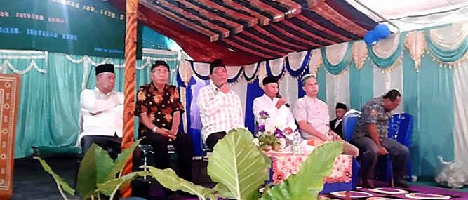 Wali Kota Tual Adam Rahayaan melakukan kunjungan kerja di Kecamatan Pulau Pulau Kur dan Kur Selatan , dalam rangka menyerap aspirasi masyarakat, Senin (27/2).
