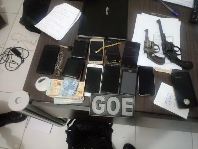 TENSÃO - Polícia prende dupla suspeita de vários assaltos após trocas de tiros em Caxias