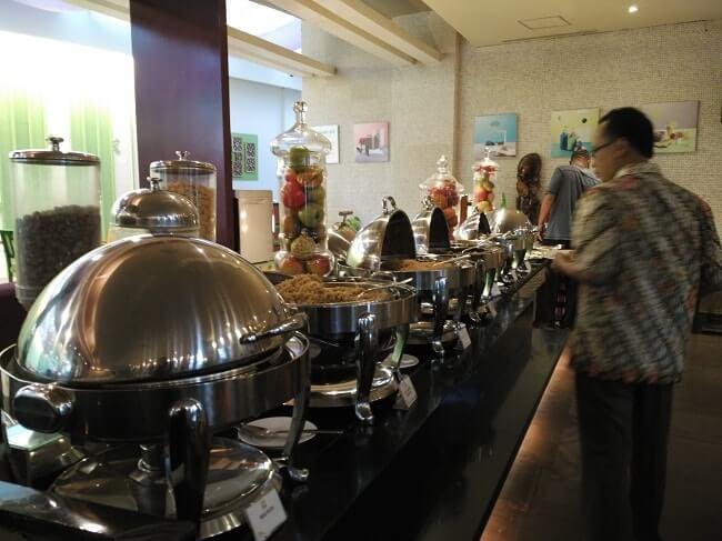 menu sarapan ibis styles hotel bali