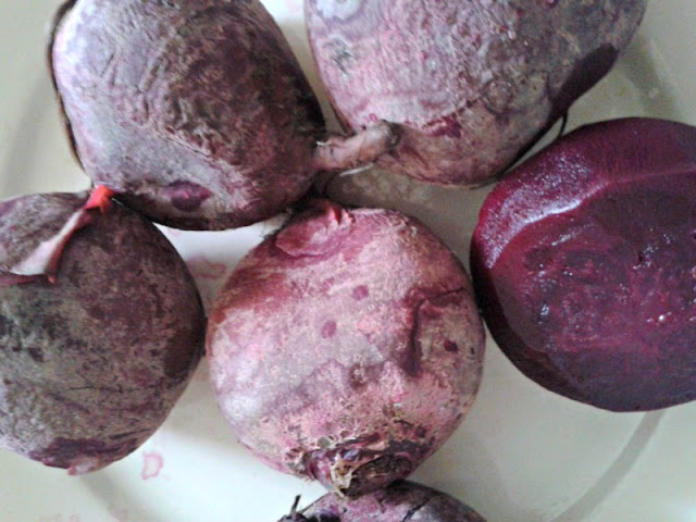 Beets, ready to skin and slice