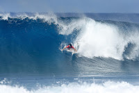 45 Ian Gouveia Billabong Pipe Masters foto WSL Damien Poullenot