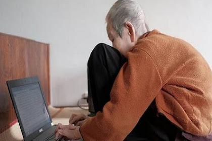 Heboh Nenek 97 Tahun Asyik Bermain Internet