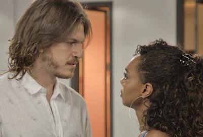 Quinzinho acabou se vigando de Dandara e passou a noite com Vanessa (Foto: TV Globo)