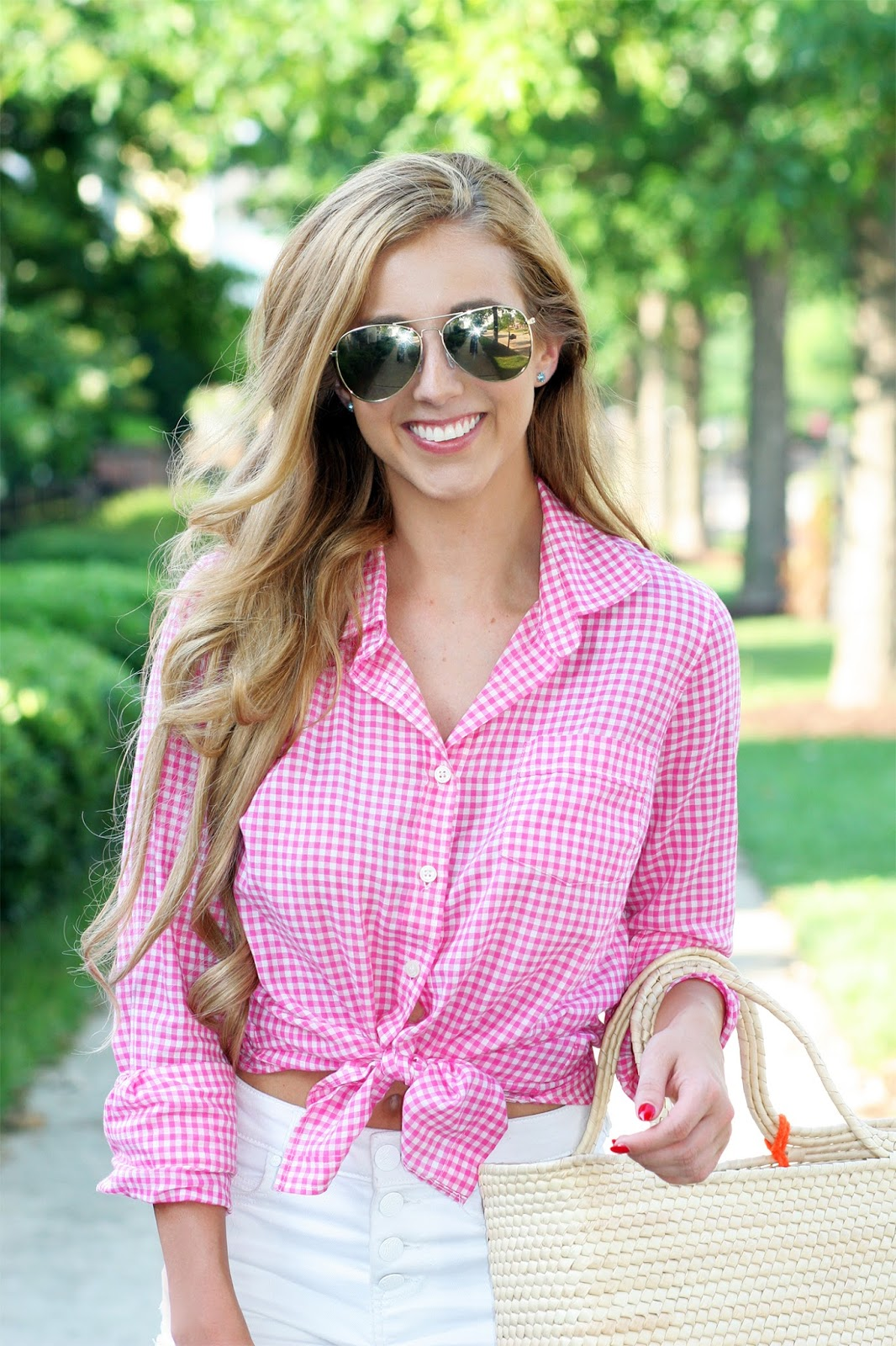 How-to-style-a-tied-button-up-top-effortless-street-style-pink-gingham