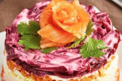Smoked Salmon Salad Cake