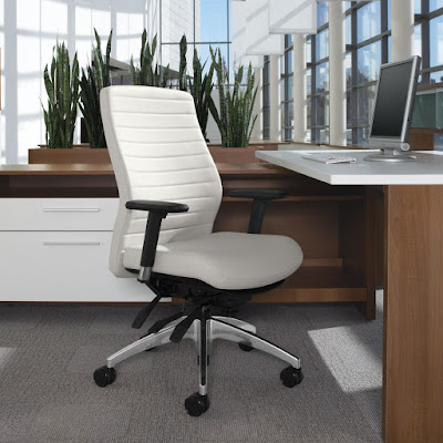 10 Things To Consider When Purchasing An Office Chair by OfficeFurnitureDeals.com
