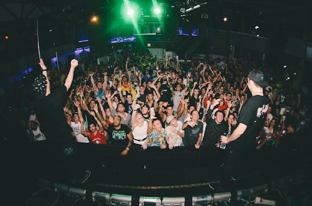 Balada Firestone Live em Downtown Orlando