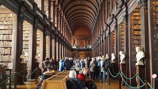 Trinity College, Dublin, Irlanda, Ireland, Visit Ireland, Long Room, Libro Kells, Kells Book, Elisa N, Blog Viajes, Lifestyle, Travel, TravelBlogger, Blog Turismo, Viajes, Fotos, Blog LifeStyle, Elisa Argentina
