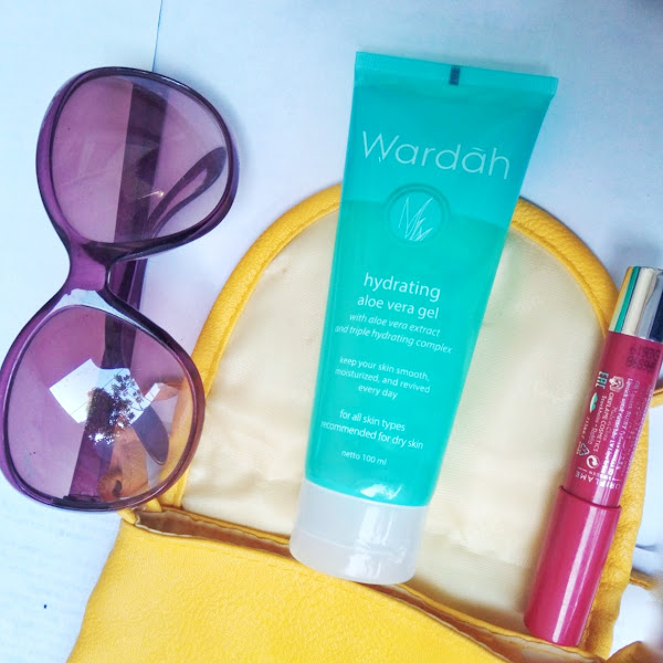 REVIEW : Wardah Hydrating  Aloe Vera Gel