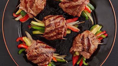 Cách làm món thịt bò cuộn ngũ sắc ngon như đầu bếp nhà hàng